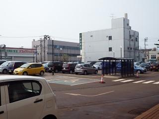 西口駐車場